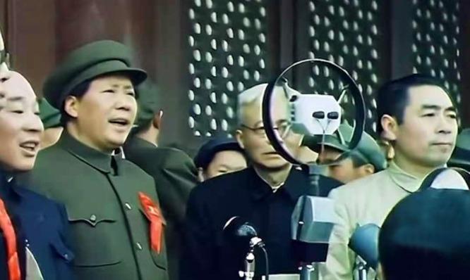 刚刚采集的毛主席画面,喜欢就收藏吧!错过就不容易找到了
