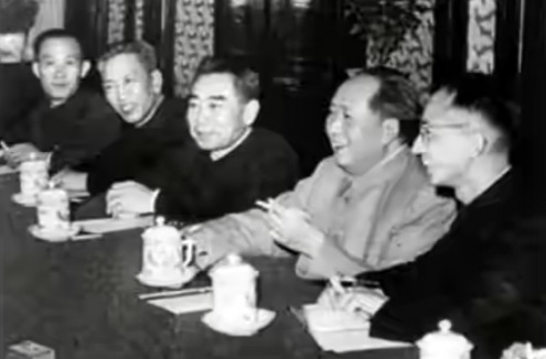 毛主席高瞻远瞩,慧眼识英才,启用耿飚等一批将军任新中国第一批驻外大使