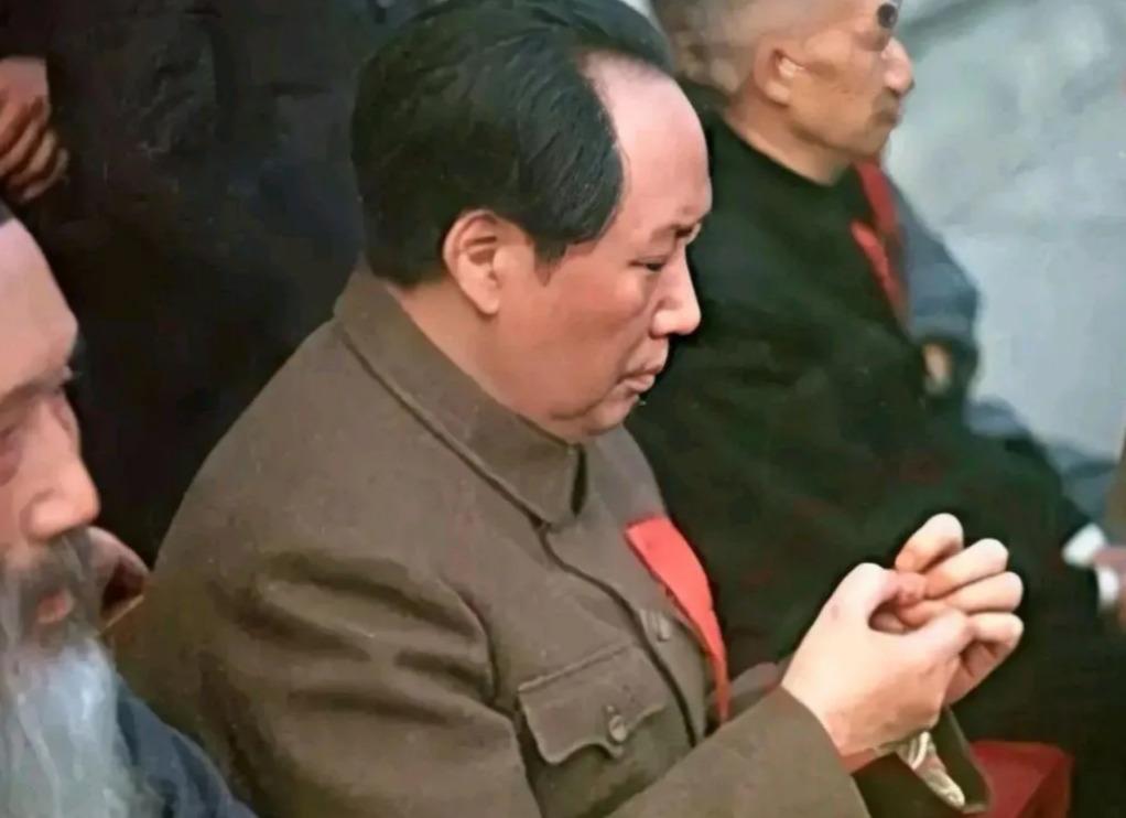毛主席也有可爱的时候啊.jpg
