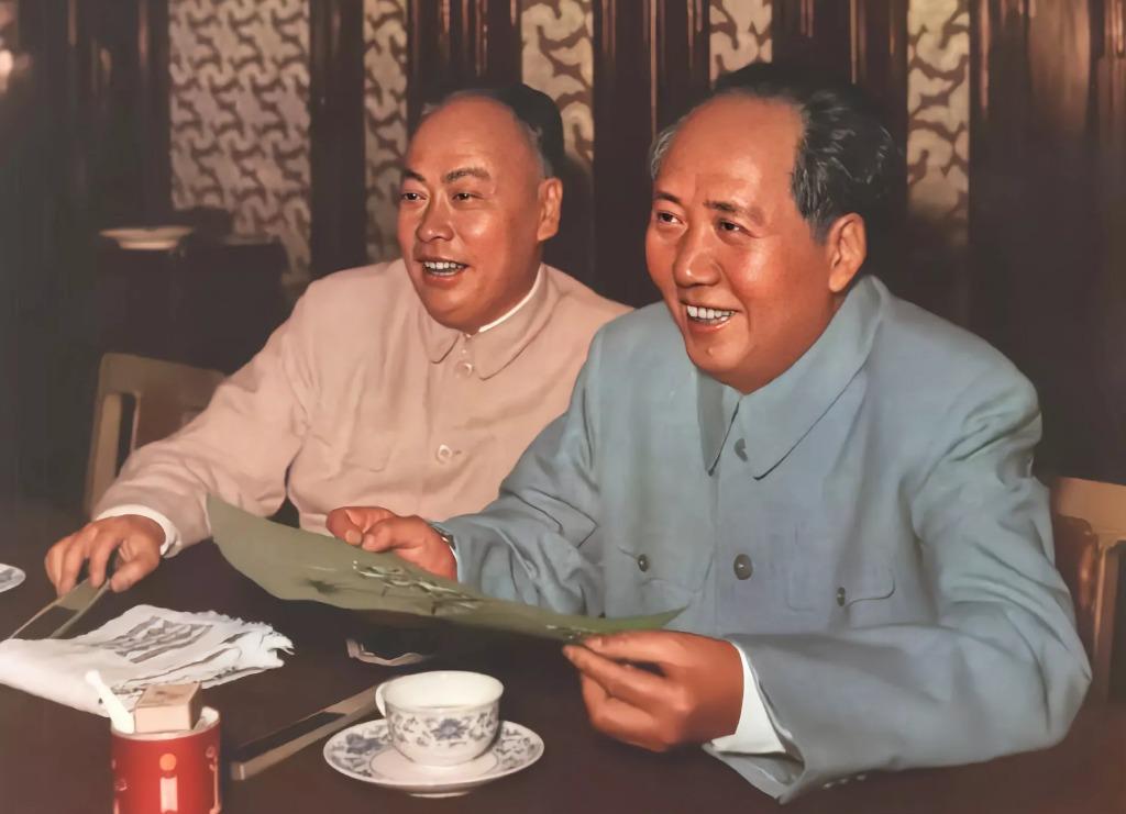 ?1958年,毛主席和陈毅同志在北京